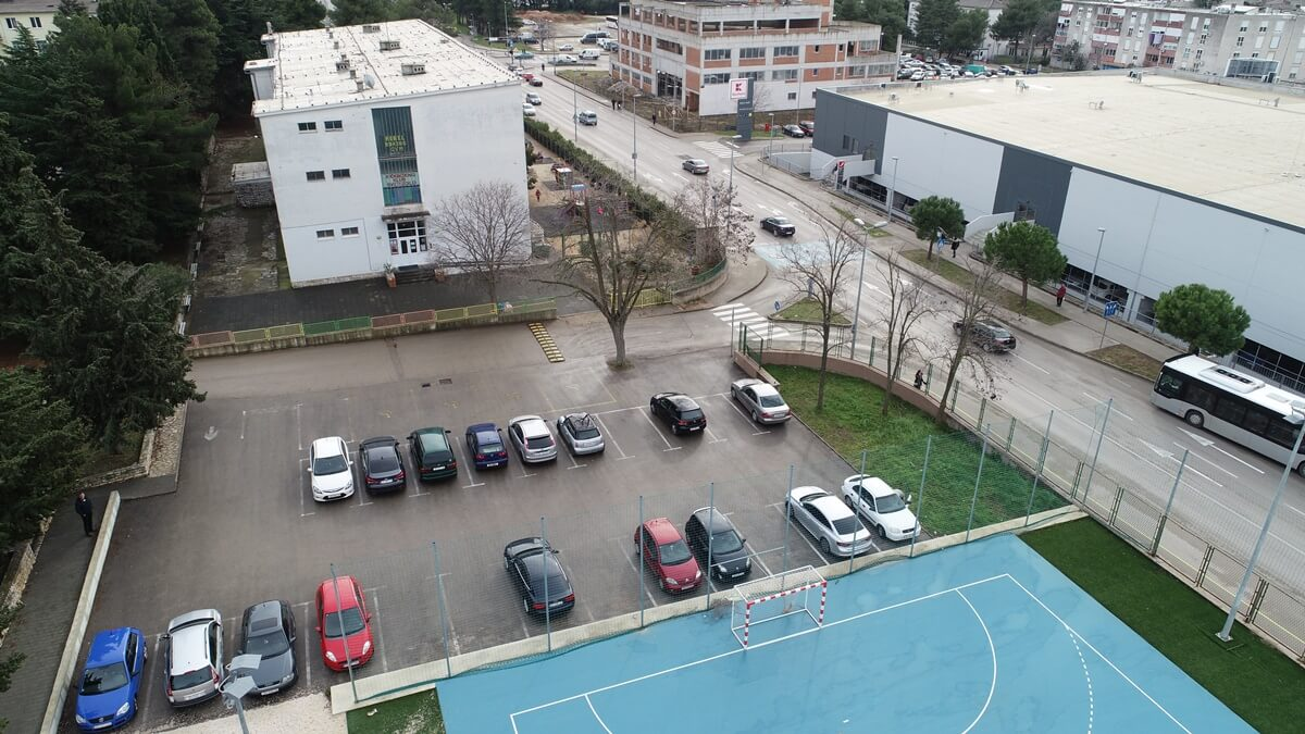 sc-visnjik-parkiraliste-jug